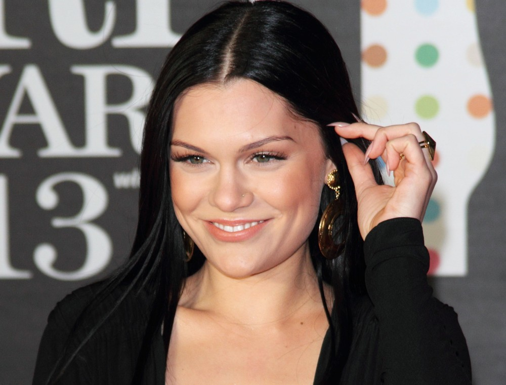 Jessie J posts naked selfie - News Nation English